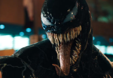 Venom ganha forma em seu primeiro trailer